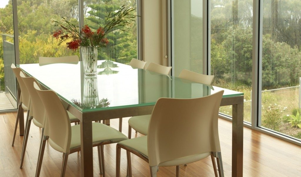 Top Glass Dining Table Decor Ideas For Occasional Feasts